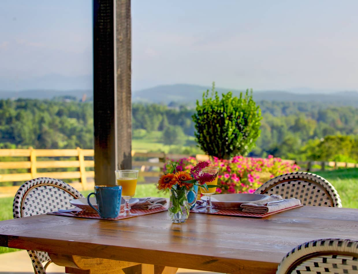 Outdoor Breakfast Patio at a Lexington, VA Inn