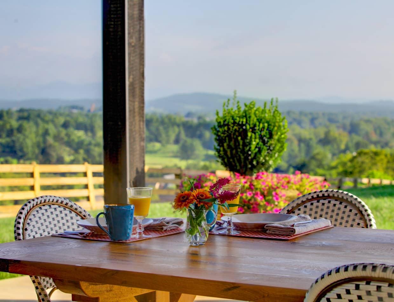 Outdoor Breakfast Patio at a Lexington, VA Inn